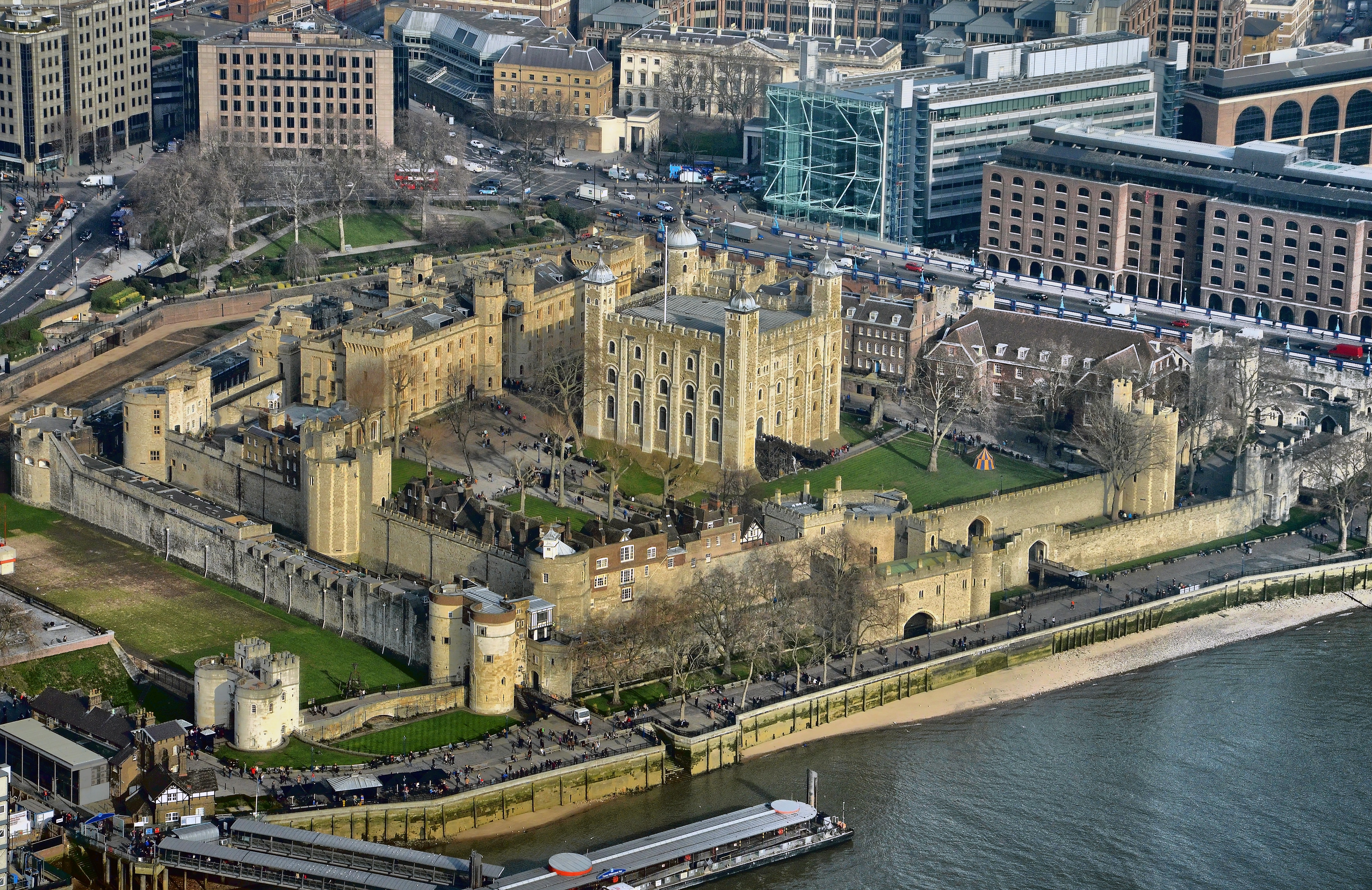 Tower_of_London_